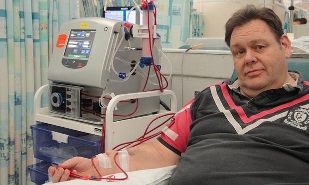 Ian Hichens at Nottingham City Hospital using a Quanta SC+ dialysis machine