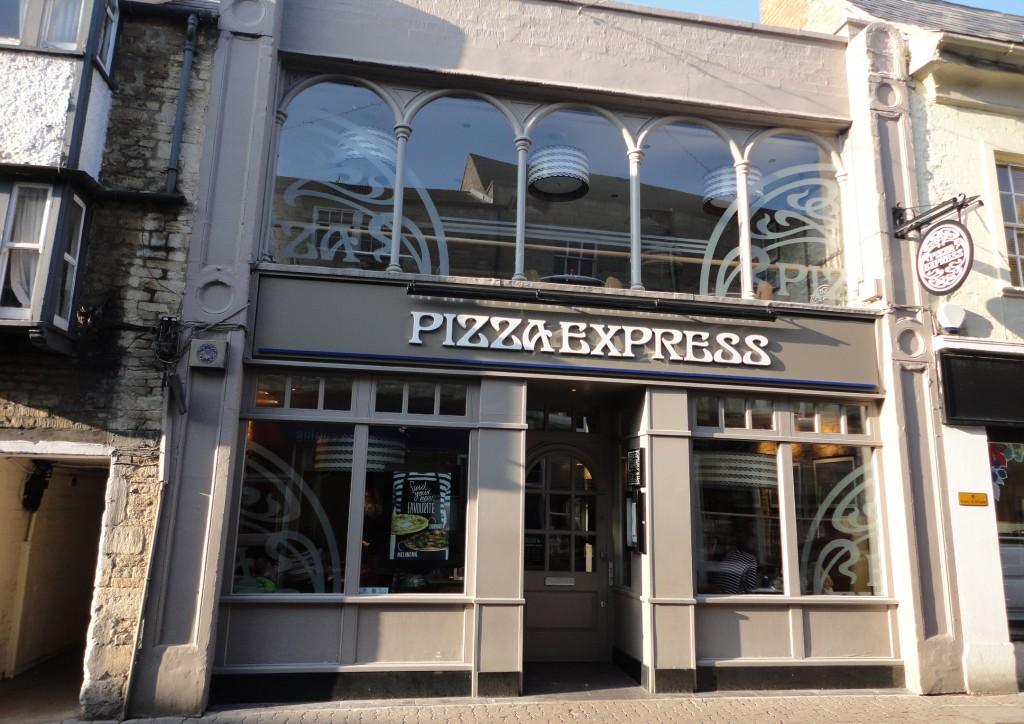 Family restaurant: PizzaExpress in Cirencester